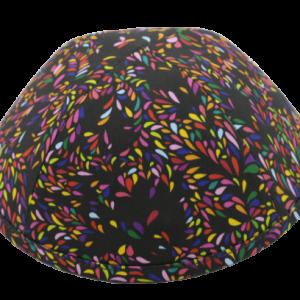כיפה רקע שחור הדפס צבעוני