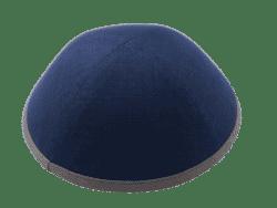 כיפה מבד פשתן צבע כחול סרט אפור