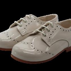 נעל צבע שמנת לוחות הברית