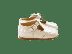נעל לוחות הברית צבע שמנת עם אבזם
