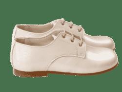נעל קלאסית בנים צבע שמנת לק