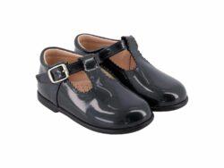 נעל חורים עם אבזם צבע אפור כהה